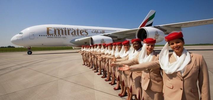 Emirates_A380_Stewardessen